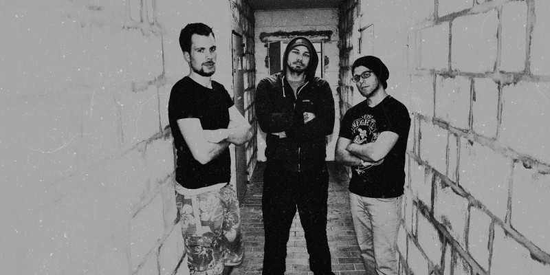 Dennis (Drums) – Sepp (Guitar/Vocals) – Ralf (Bass)